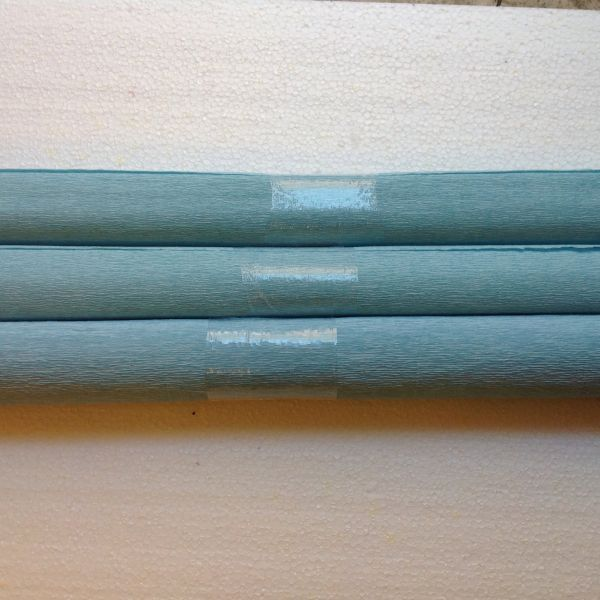 Krepppapier hellblau
